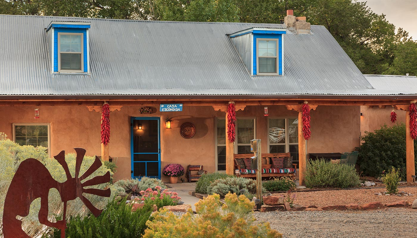 7 Ways to Plan a Romantic Elopement in New Mexico This Fall 2